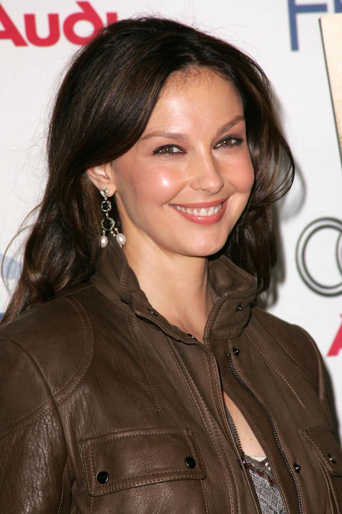 Peter Jackson Rebukes Harvey Weinsteins Denial On Ashley Judd MiraSorvino